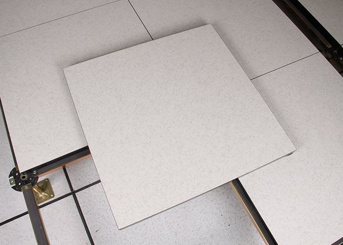 Strengh Antistatic Calcium Sulphate Raised Floor HPL Finish 600×600×30 Mm